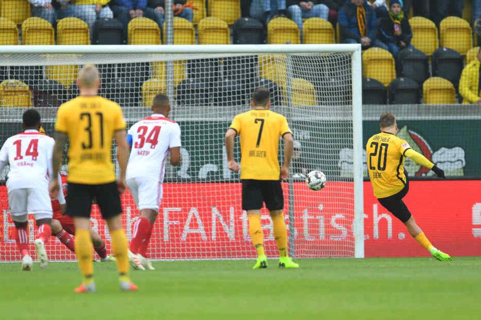 Patrick Ebert verwandelte in der 7. Minute den Elfmeter zum 1:0 für Dynamo.