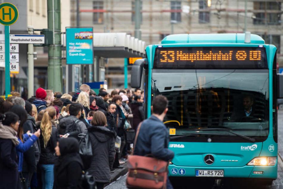 Die Mehrheit der betroffenen Busfahrer stimmte für unbefristete Streiks (Symbolfoto).