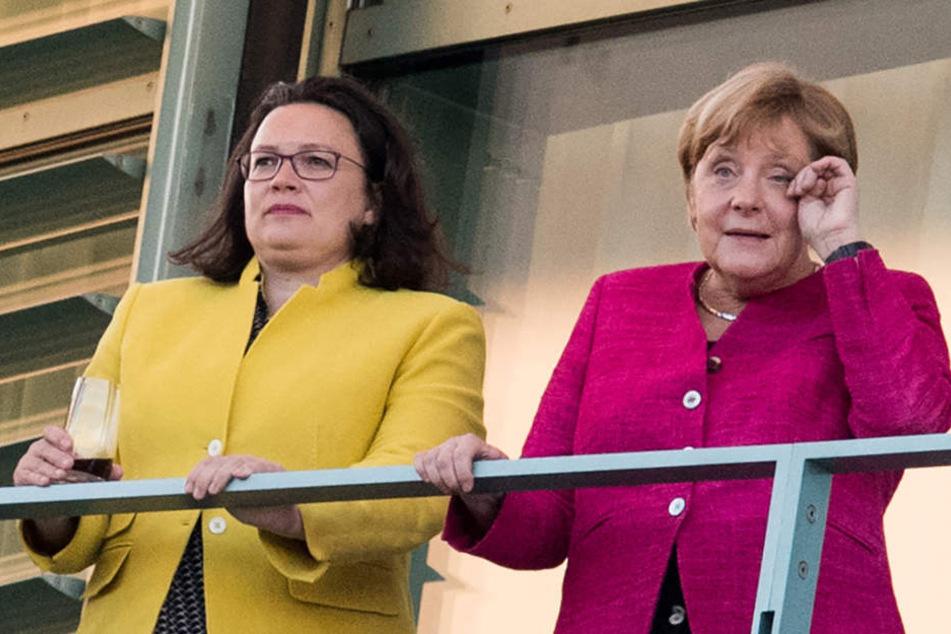 Andrea Nahles (47, SPD) mit Kanzlerin Angela Merkel (64, CDU) bei einem Treffen im Sommer 2018.