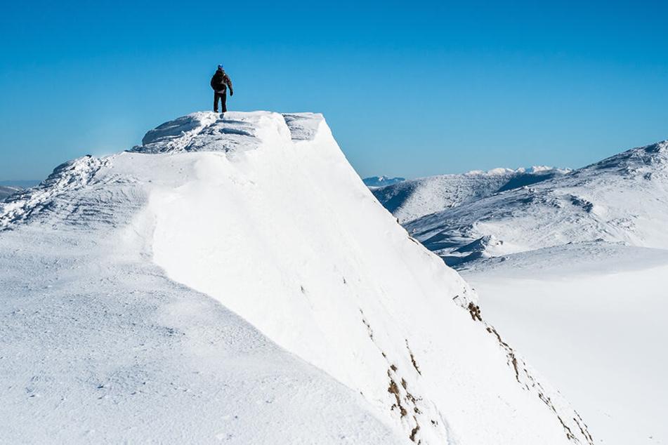 Tödliches Unglück: Deutscher Wanderer stürzt bei Abstieg und stirbt