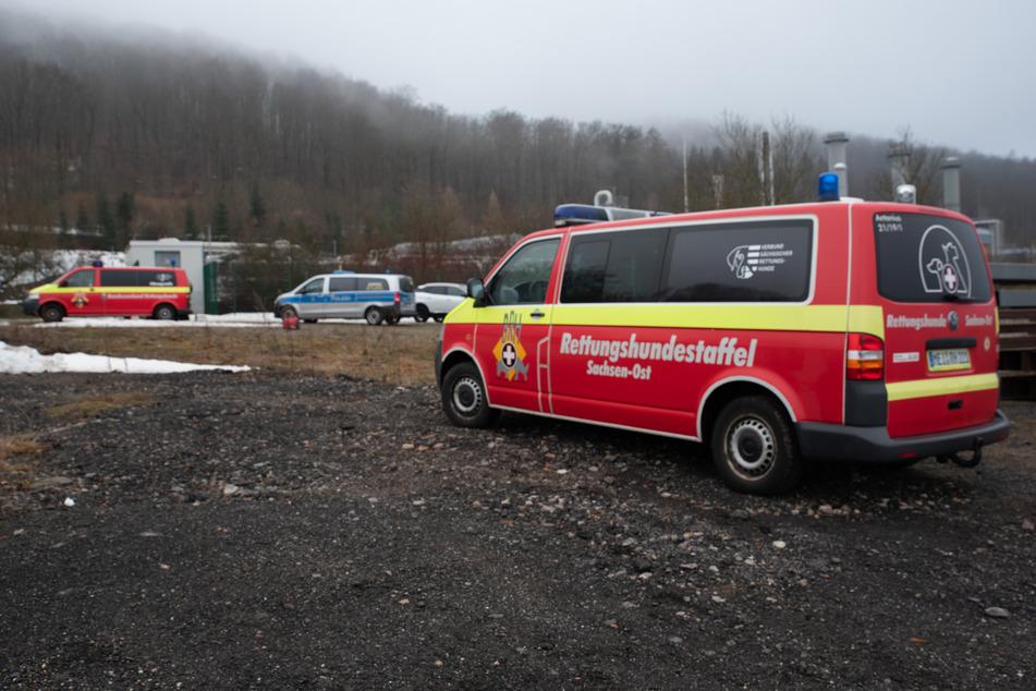 In Olbernhau suchen Einsatzkräfte nach drei Kindern.