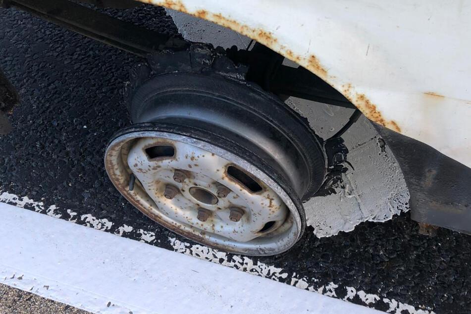 Fahrer brachte sich und andere in Gefahr: Diesem Auto fehlt etwas Entscheidendes