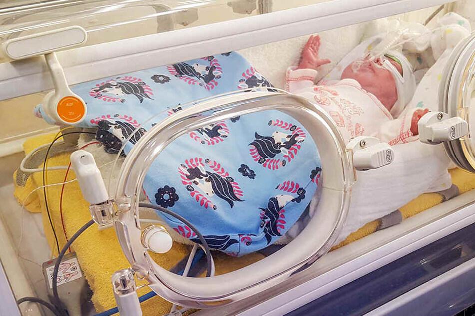 Die kleine Pia war sieben Wochen zu früh auf die Welt gekommen.