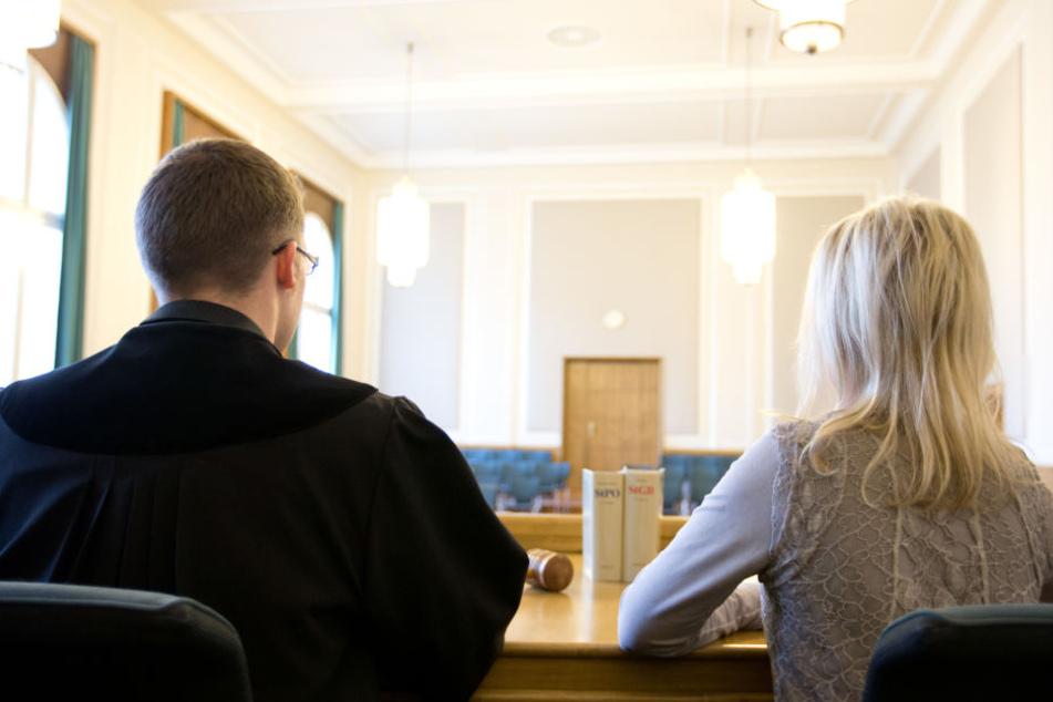 In Leipzig sollen ab 2019 wieder 1350 Schöffen und Jugendschöffen neben den Richtern Platz nehmen. (Symbolbild)