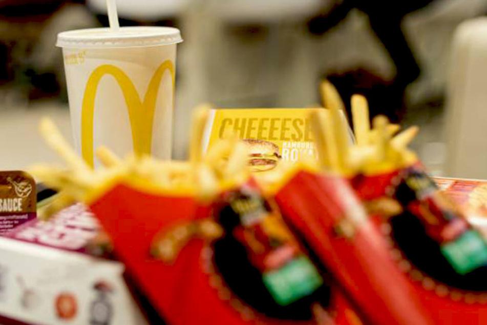 Ein McMenü fürs Sofa? Ab Mittwoch können die Dresdner sich von McDonald's beliefern lassen.