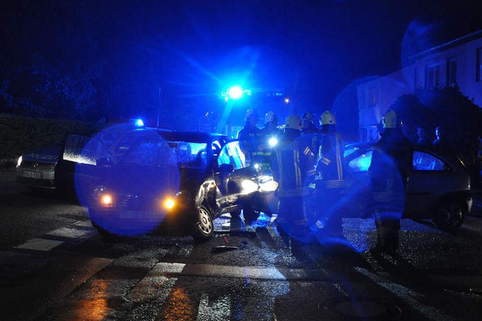 Auf der Kreuzung zwischen Gewinghauser Straße und der Straße Hanffeld hat es in der Nacht gekracht.