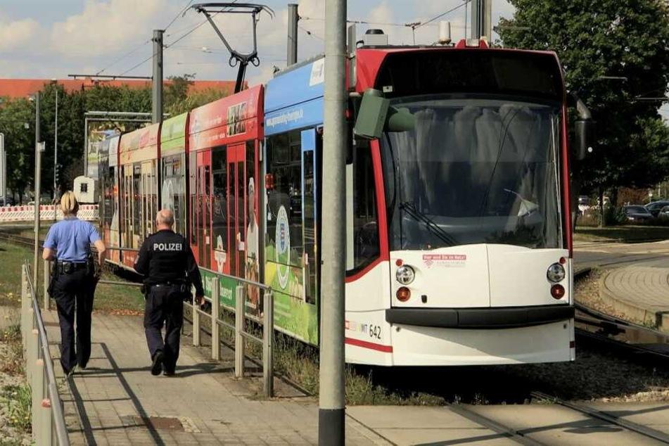 Schwerer Unfall in Erfurt! Junge Frau von Straßenbahn angefahren