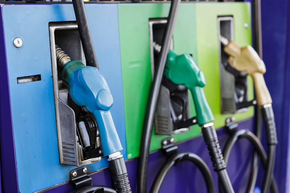 Verrückter Einbruch in Tankstelle: Angeblicher Zeuge hat etwas zu verbergen