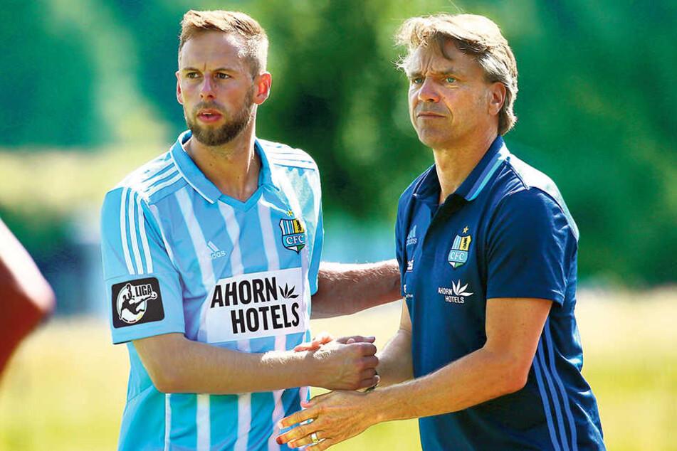 CFC-Coach Horst Steffen (r.) hielt stets zu seinem Kapitän Marc Endres.