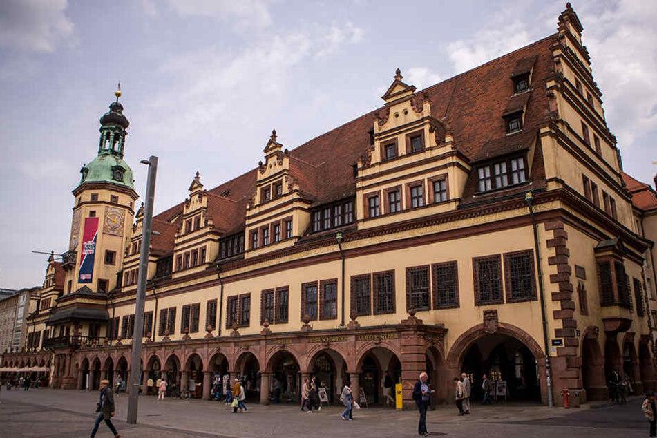 Verjüngungskur: Altes Rathaus bekommt neue Fassaden