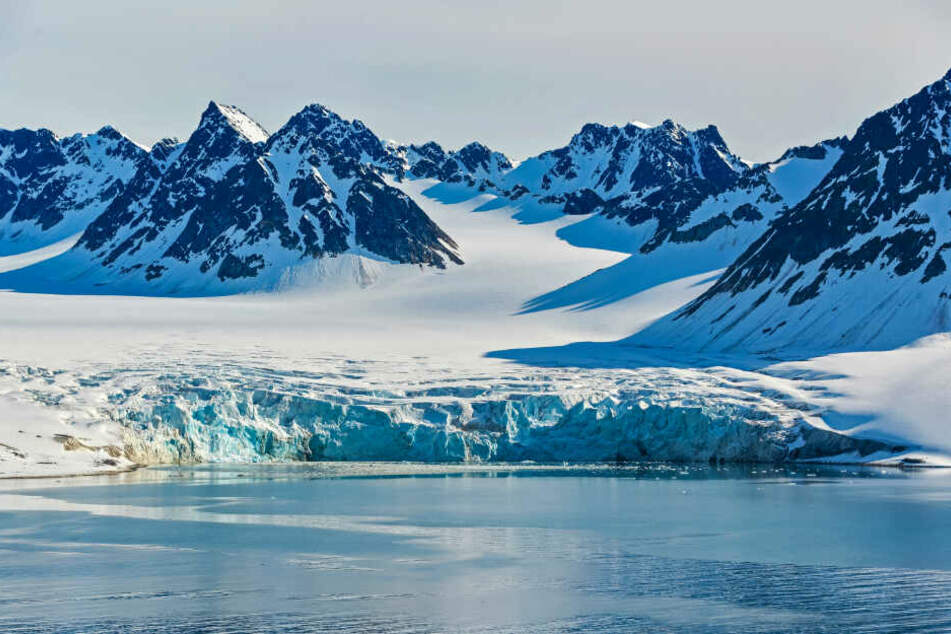 Raue Landschaft: Auf Spitzbergen werden immer wieder Touren für Touristen angeboten.