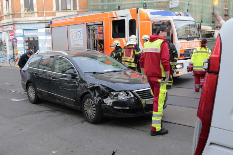 Der 41-Jährige übersah den herannahenden VW Passat und krachte in den Wagen.