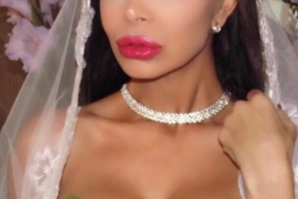 Sexy Braut! Diese Trash-Queen hat gestern heimlich geheiratet