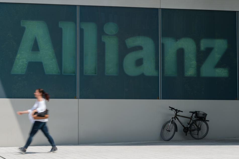Die Allianz dringt in ein stark umkämpftes Gebiet vor: Europas größter Versicherer bringt in Deutschland eine eigene Handy-App für mobiles Bezahlen auf den Markt.