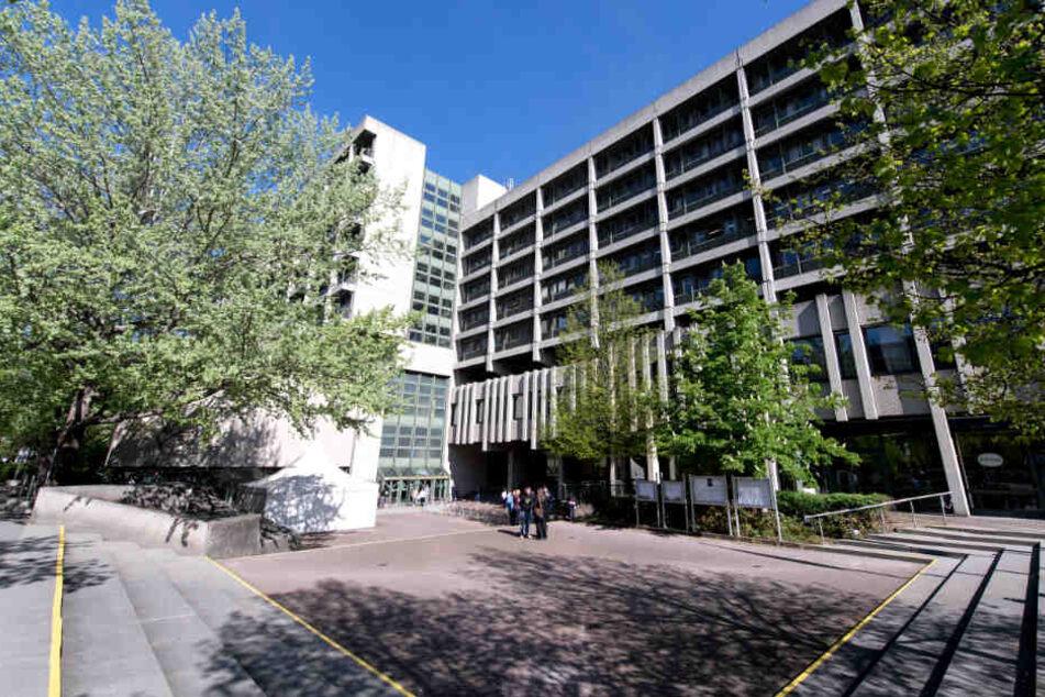 Das Gerichtsgebäude für das Amtsgericht, das Landgericht I und II in München, das Oberlandesgericht und die Staatsanwaltschaft in der Nymphenburger Straße.