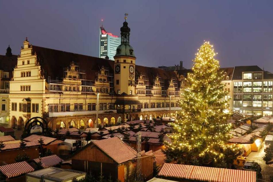Auf dem Leipziger Markt steht bereits alles bereit. Fehlen nur noch die Besucher.