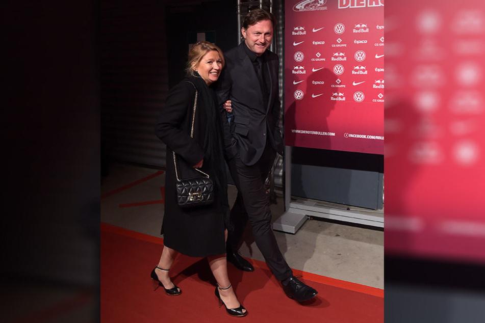 Seltener Anblick: Trainer Ralph Hasenhüttl (50) brachte seine Frau Sandra mit auf den roten Teppich.