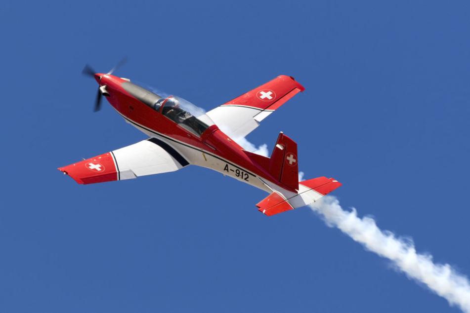 In der Schweiz ist ein Flugzeug verschwunden. (Symbolbild)