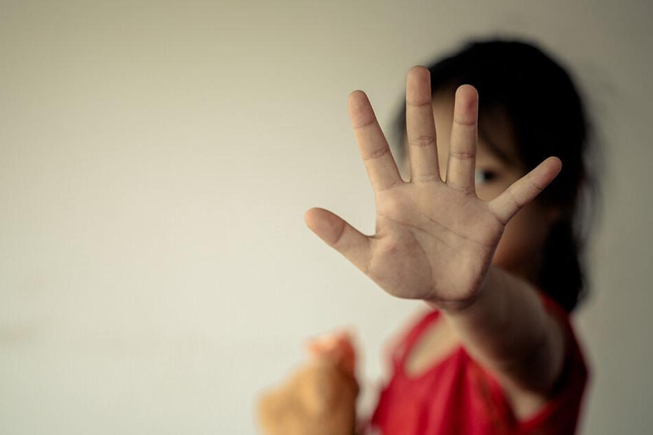 23-Jähriger zwingt Mädchen (11) zur Hochzeit, doch dabei bleibt es nicht