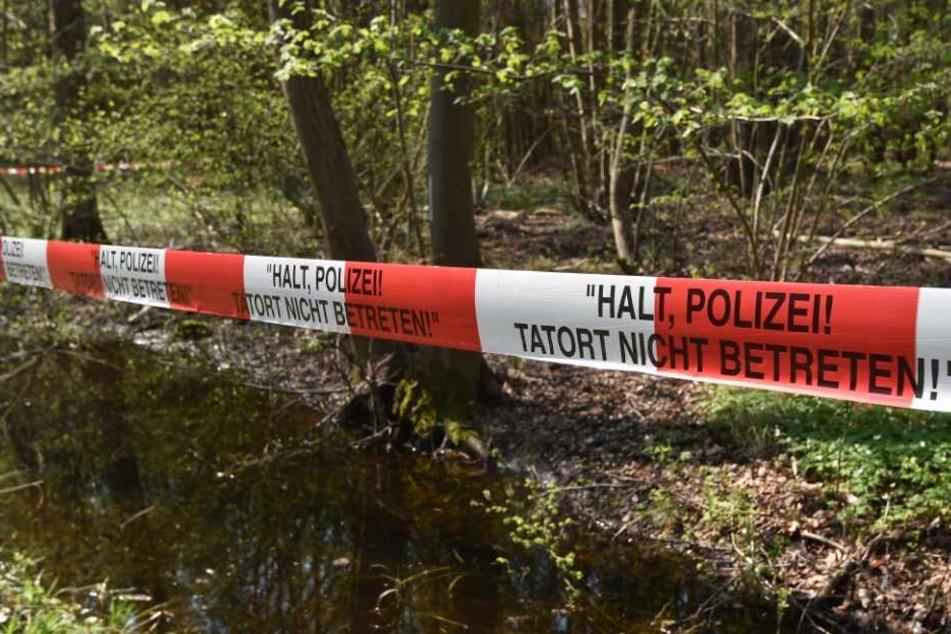 Der Tatort wurde von der Polizei abgesperrt. (Symbolbild)