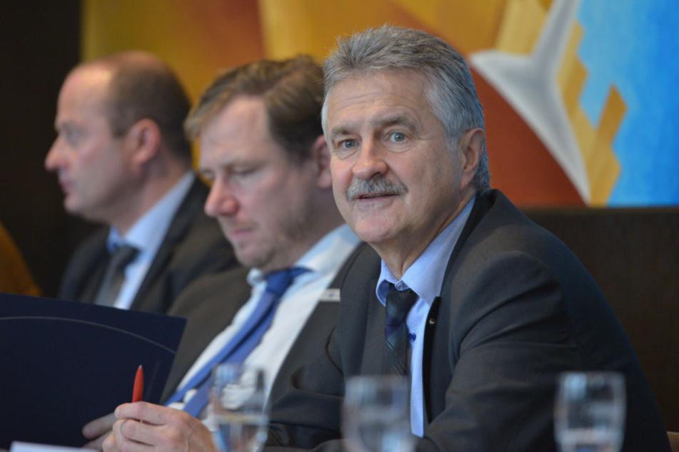 IHK-Chef Hans-Joachim Wunderlich (63) hofft, dass durch die neue Social-Media-Kampagne viele osteuropäische Fachkräfte in den Kammerbezirk kommen.