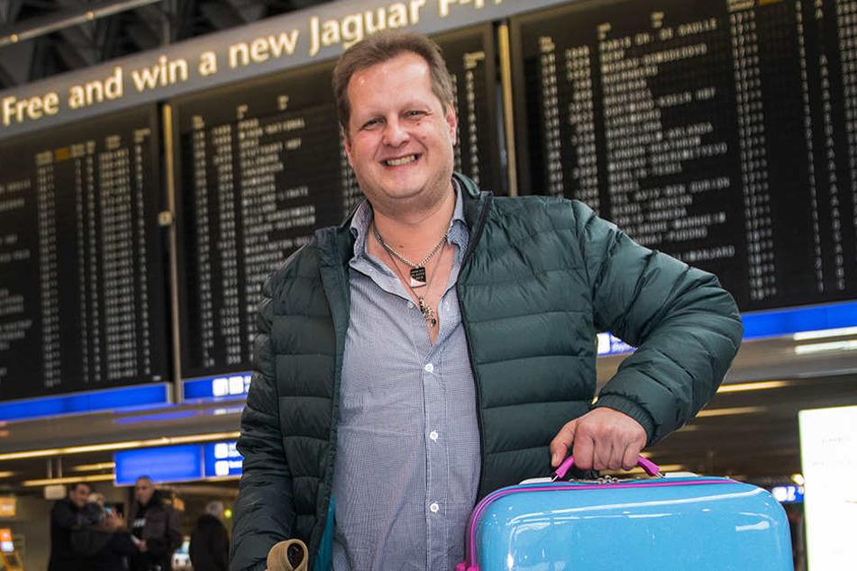 """Jens Büchner wurde durch die Auswanderer-Show """"Goodbye Deutschland"""" berühmt. Heute ist er Partysänger und Café-Besitzer."""