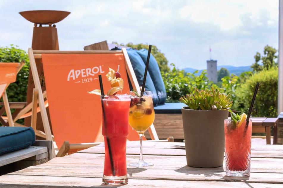 Exotische Cocktails sorgen für eine Erfrischung.