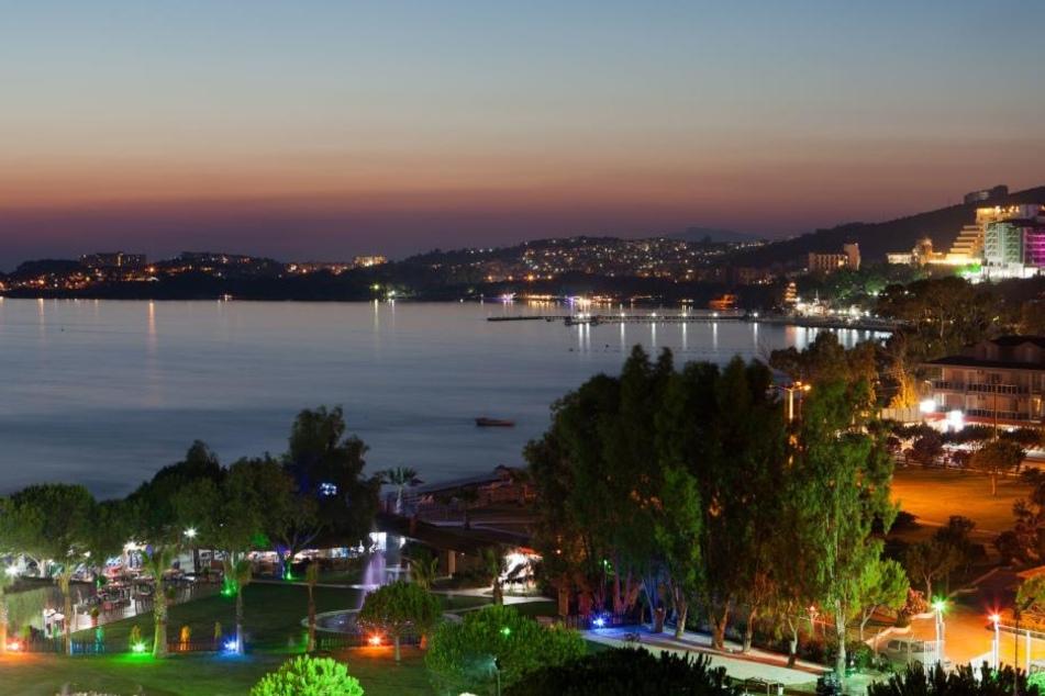 In beliebtem türkischen Touristen-Ort! Mann schiesst fünf Menschen nieder