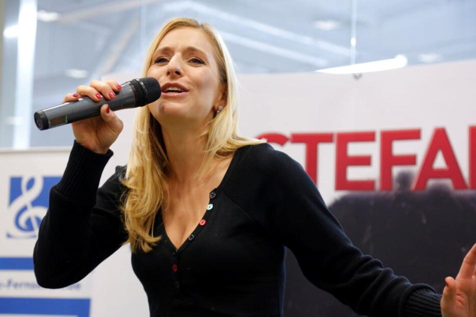 """Ist Stefanie Hertel der Panther bei """"The Masked Singer""""..."""