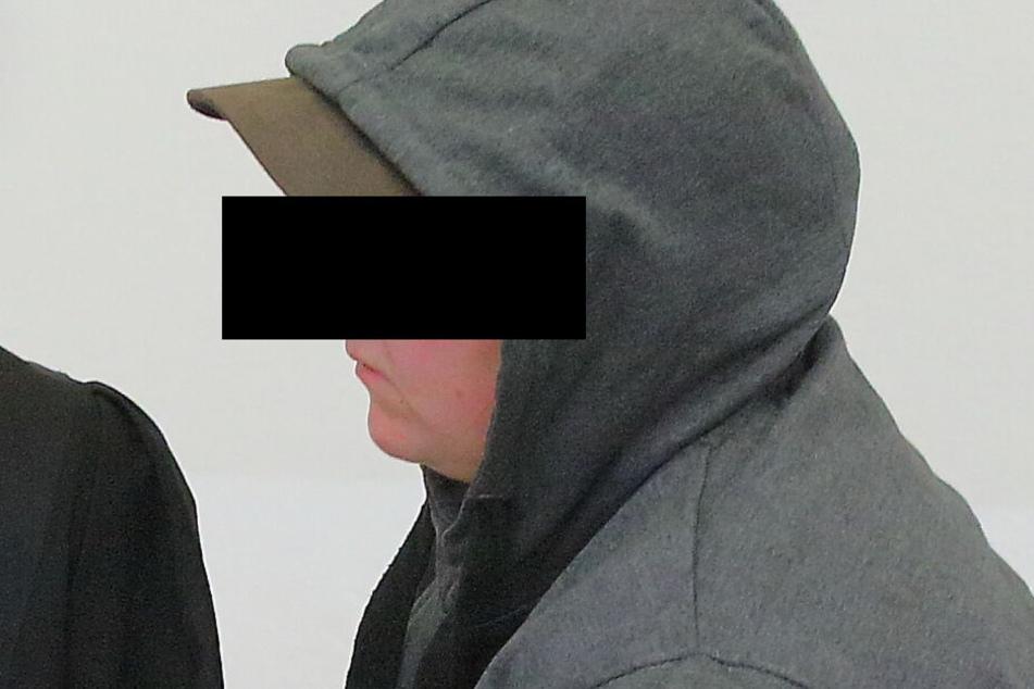 Niemand will bemerkt haben, dass Nicole R. (32) schwanger war. Die Melkerin ist wegen Totschlags angeklagt.