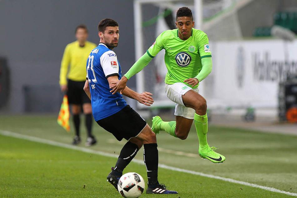 Beim 1:1-Test in Wolfsburg gehörte Florian Dick (li.) zur Startelf des DSC.
