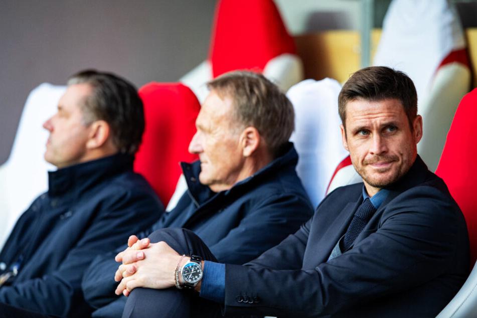 Auch Lizenzspieler-Chef Sebastian Kehl (r.) und Hans-Joachim Watzke (M.) nahmen an der Sitzung der BVB-Bosse teil.