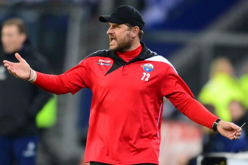 SCP-Coach Steffen Baumgart war mit der ersten Halbzeit unzufrieden.