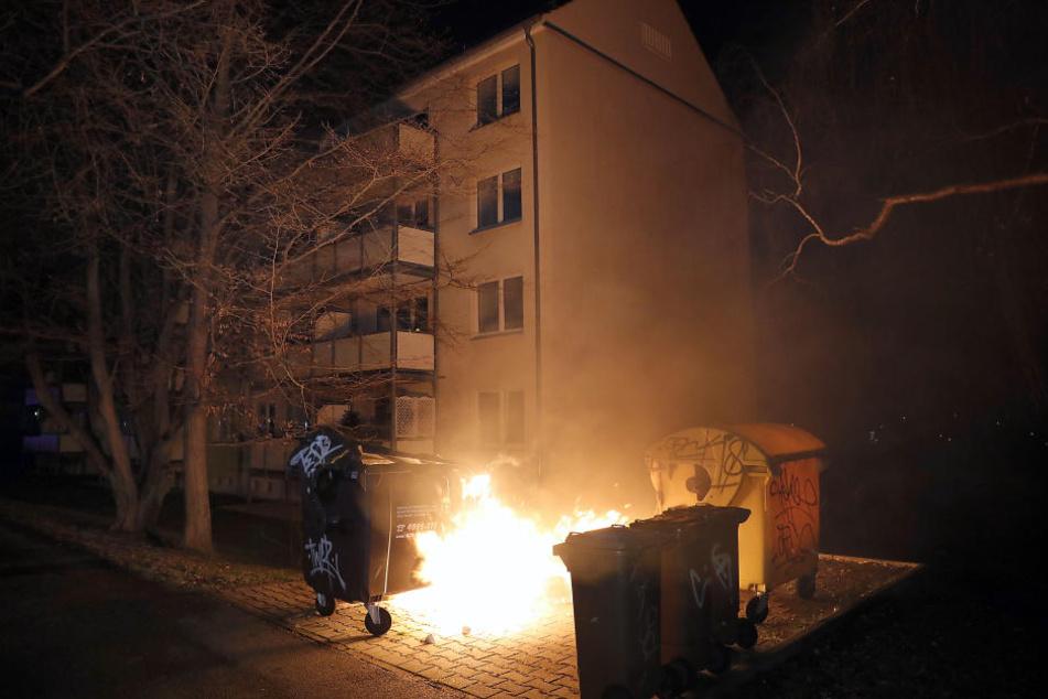 In Gablenz brannten mehrere Container.