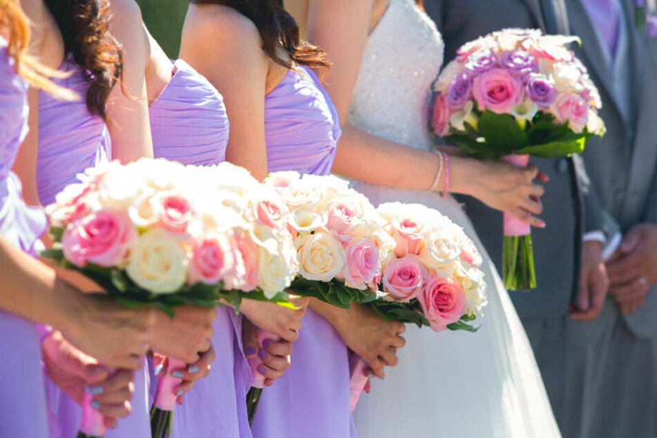 Ihren Schwestern spielte eine Braut übel mit. (Symbolbild)
