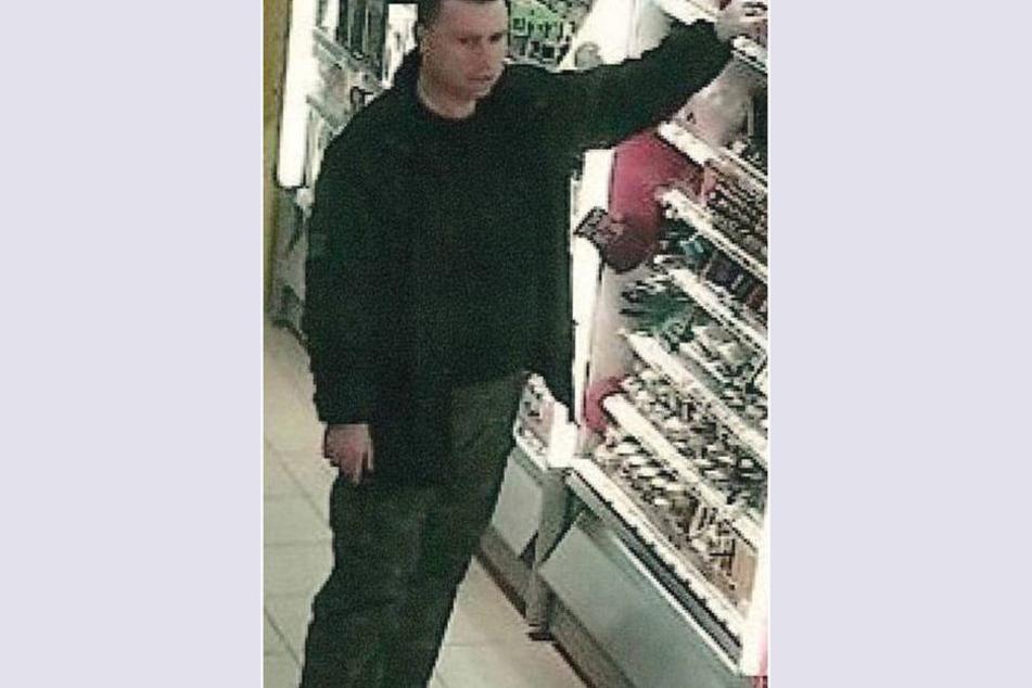 Mit diesem Bild sucht die Polizei nach dem Ladendieb.