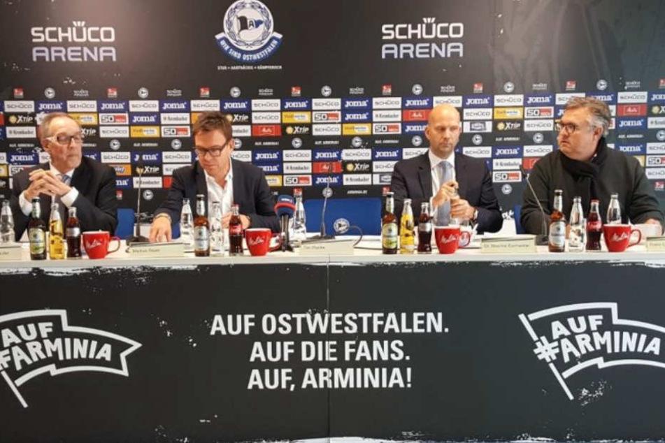 Über den Stadionverkauf sprachen Vereinspräsident Hans-Jürgen Laufer (l.), Geschäftsführer Markus Rejek, Maurice Eschweiler und Cristoph Borchard.