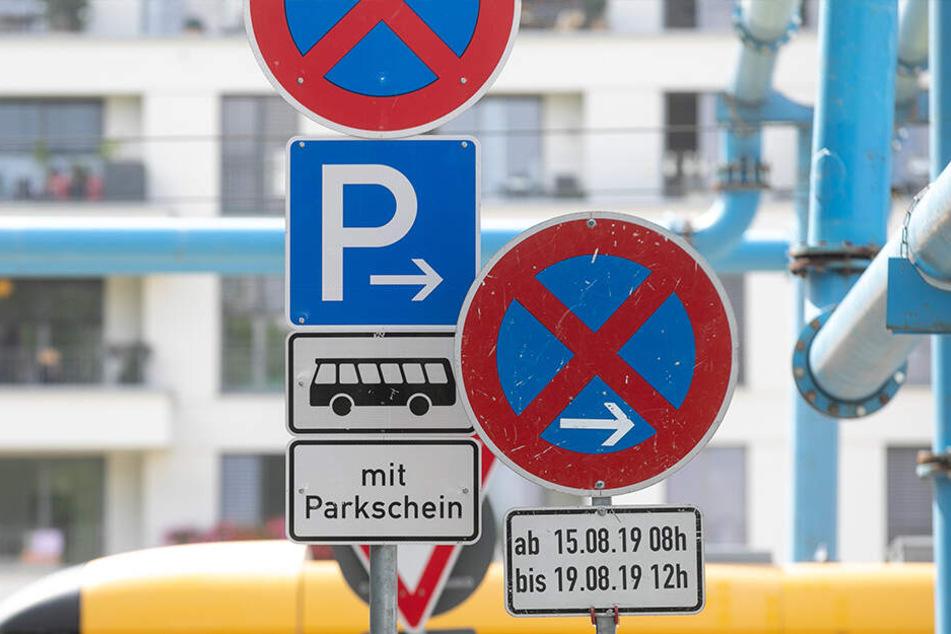 Die Schilder verraten es schon: Keine Chance für Busse am Zwingerteich.
