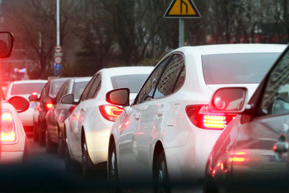 In Halle könnte es am Dienstagabend zu starken Verkehrsbehinderungen kommen.