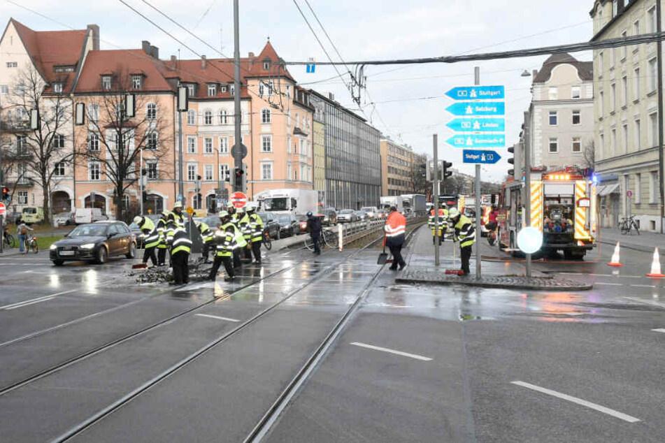 München, jetzt musst Du stark sein: Weißbier landet auf der Arnulfstraße