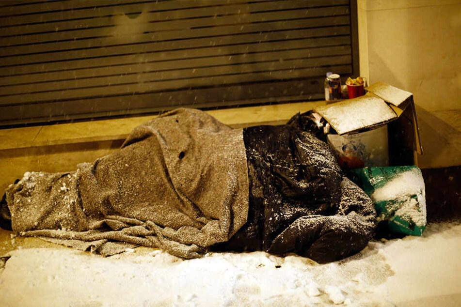Für Obdachlose können die eisigen Temperaturen lebensgefährlich werden.