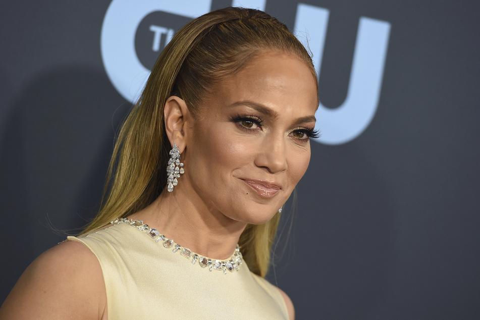 Schauspielerin Jennifer Lopez (51) kommt zur Verleihung der Critics' Choice Movie Awards.