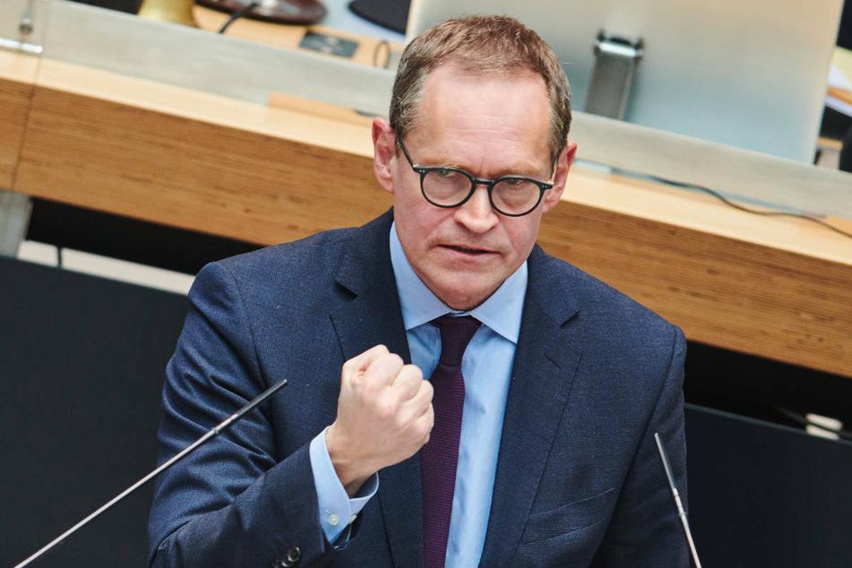 Berlins Regierender Bürgermeister Michael Müller (56, SPD) verurteilte am Donnerstag den rassistischen Anschlag von Hanau aufs Schärfste.