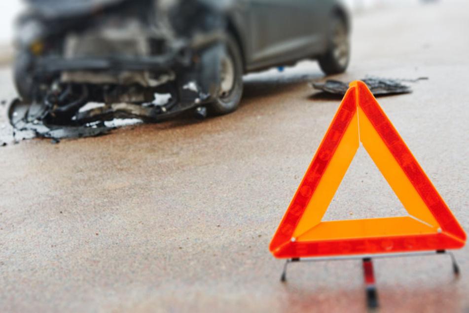 Mitten im Berufsverkehr kam es am Morgen zu zwei schweren Unfällen. (Symbolbild)