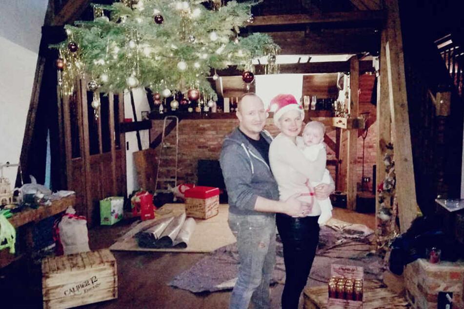 Üben schon fleißig für ein Geschwisterchen: Melanie Müller (29) und Mike Blümer (52). Schließlich soll Mia Rose (3 Monate) kein Einzelkind bleiben.