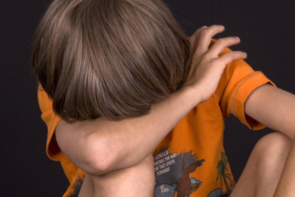 Ein 12-Jähriger aus England hat einen Neunjährigen 15 mal vergewaltigt (Symbolbild).