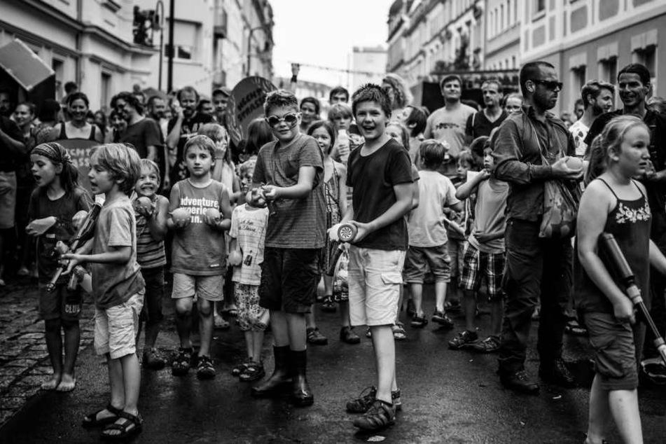 Da die Wasserschlacht aber vor allem Kindern Spaß bereiten soll, zogen die Veranstalter jetzt die Reißleine.