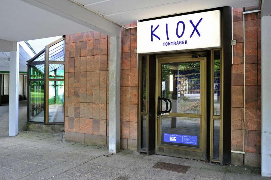 """Große Eröffnung! Am Freitag wird sich vor dem Plattenladen """"KIOX"""" in Chemnitz eine Schlage bilden."""