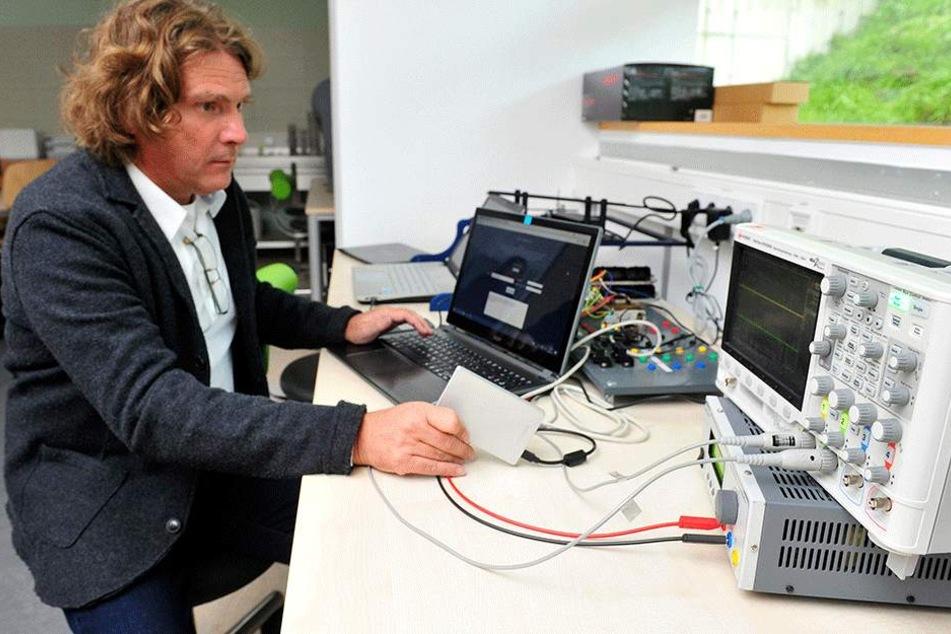 Wirksame Waffe gegen Cyberkriminalität: das gestern eingeweihte neue  Lernlabor an der Hochschule Mittweida.