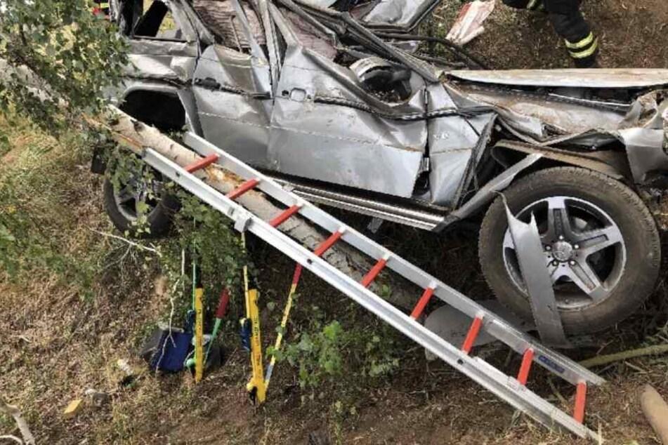 Heftiger Unfall in Nordsachsen: 24-Jähriger in Geländewagen eingeklemmt